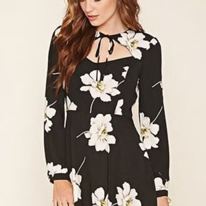 Forever 21 Long sleeve cut out dress (NWT)